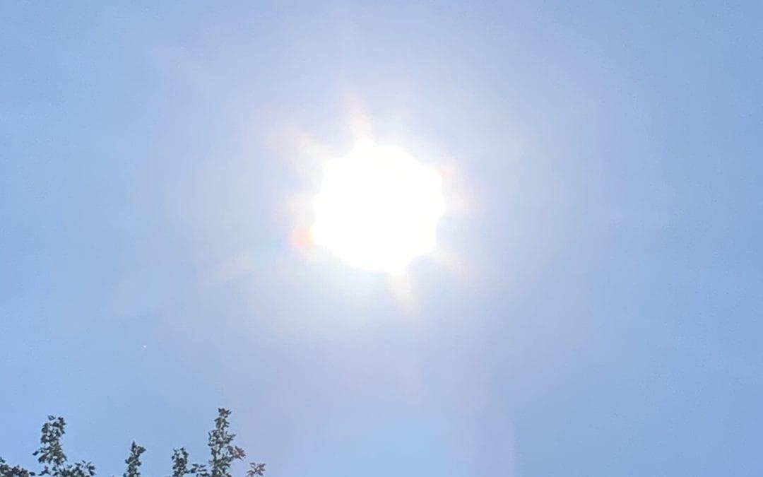 Solaris (Sun) changing it's logos